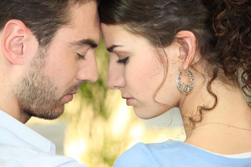 8 Ways To Build A Symbiotic Relationship - mendthebond.com