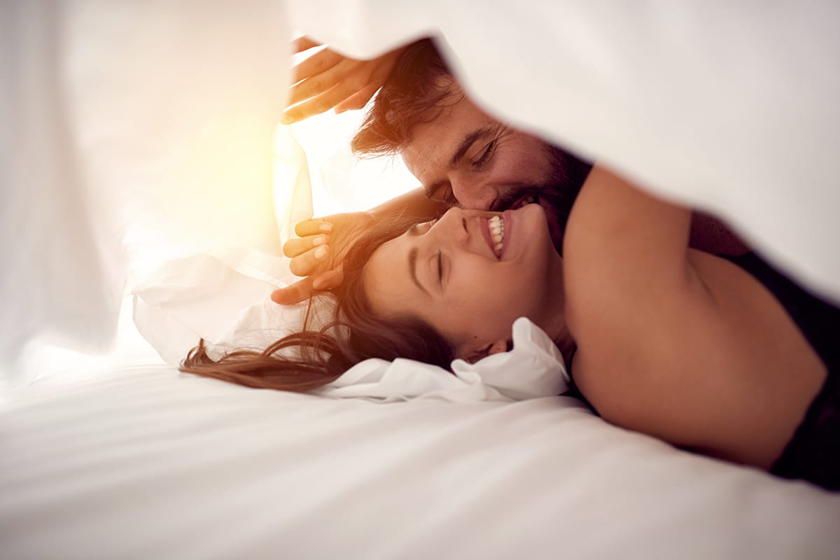 How are Love and Sex Connected - mendthebond.com